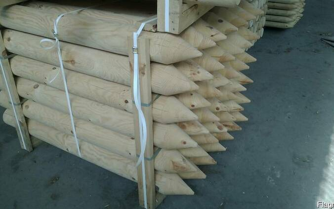 Rounded poles (pins, logs, bars ) made of pine